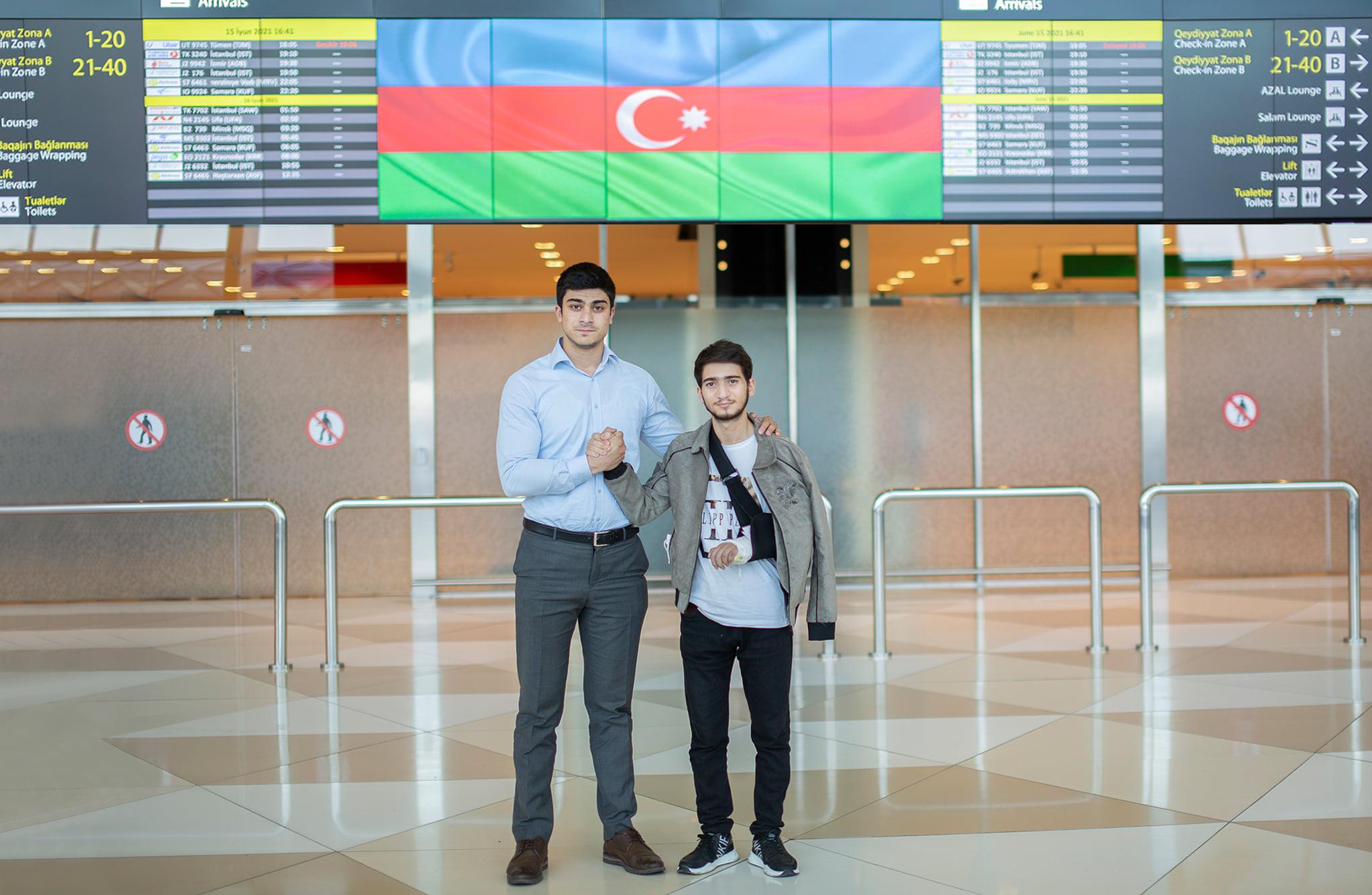Türkiyəyə göndərilən daha 4 qazimiz sağalaraq Vətənə geri dönüb